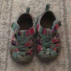 Size 6 Teal and Pink Girls Keen Sandals